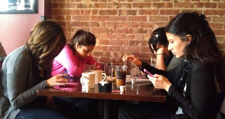 تکنولوژی در حال تبدیل ما به آدم هایی عجیب است!