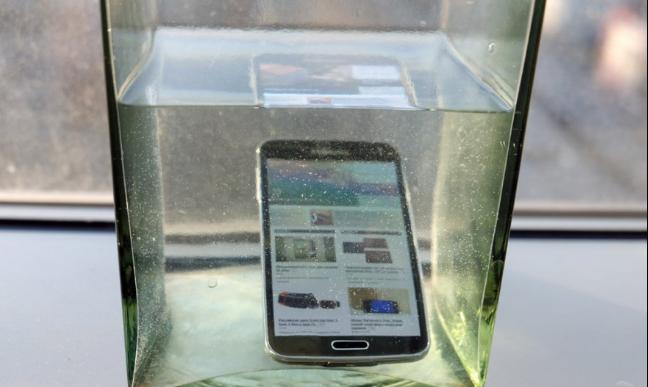 تست دوربین و ضد آب بودن گلکسی S5