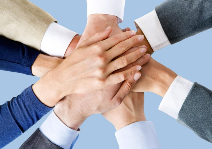 فرق بازاریابی و اجتماع چیست؟