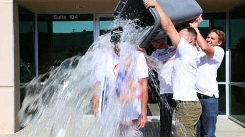 کمپین سطل یخ بیماری ALS و راهی جدید برای اطلاع رسانی