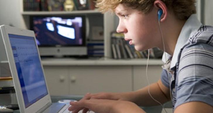 آیا اعتیاد به اینترنت باعث افسردگی میشود؟