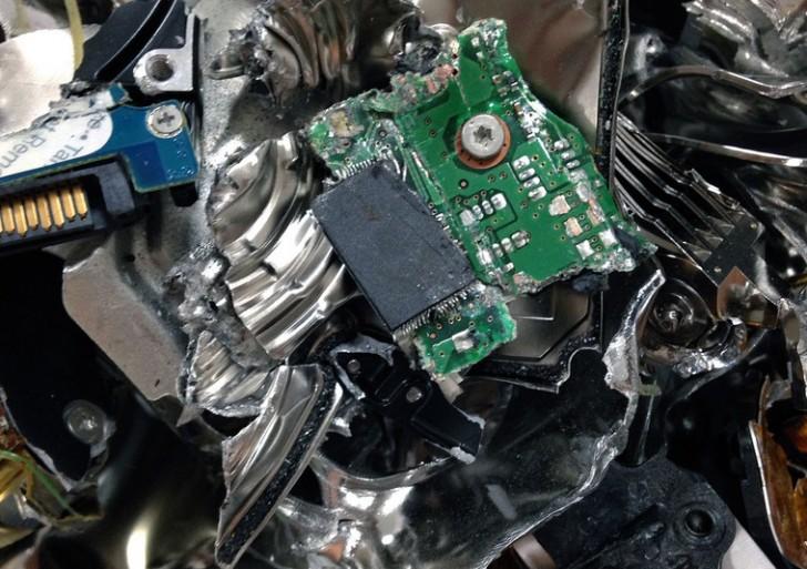 جاسوس افزارها در هارد دیسک های وارد شده به ایران